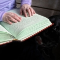 montini-giulio-lettura-braille-2-anche-preghiera-universale