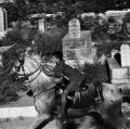0017_cito_2000_09_08_007_16-palestina_jerusalem-a-cavallo-nel-cimitero
